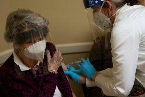 Vẫn có khoảng 6.000 người Mỹ mắc Covid-19 sau khi tiêm vắc xin Covid
