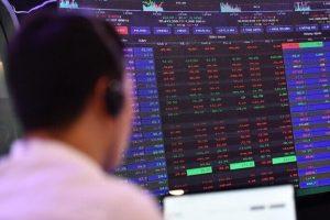 VN-Index mất hơn 7 điểm, cuộc đua vốn hóa ngân hàng tiếp tục 'nóng'