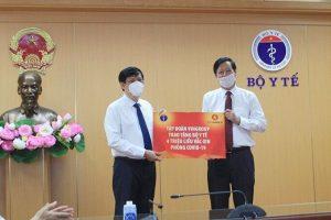 Vingroup tài trợ 4 triệu liều vắc xin phòng Covid-19 cho y tế Việt Nam
