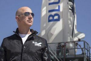 Vừa từ chức CEO Amazon, tỷ phú Jeff Bezos sẽ bay vào vũ trụ