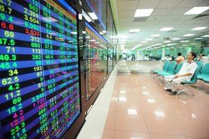 Hàng loạt ETF sắp tái cơ cấu danh mục: Cổ phiếu nào hưởng lợi?