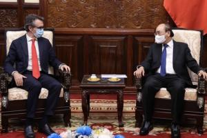 'EU sẵn sàng hỗ trợ Việt Nam công nghệ sản xuất vaccine Covid-19'