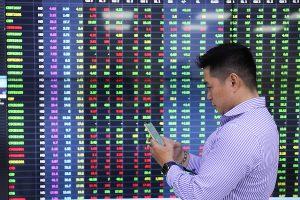 VN-Index trở lại mốc 1.310 điểm sau 5 phiên tăng liên tiếp, nhiều cổ phiếu bứt phá