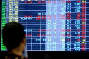 Lao dốc cuối phiên, VN-Index mất hơn 8 điểm