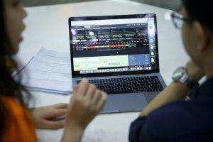 Phiên chiều 29/9: Thanh khoản giảm mạnh, VN-Index đứng tham chiếu