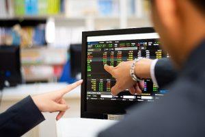 Chứng khoán phiên sáng 11/10: Nhóm ngân hàng dẫn dắt, VN-Index vượt ngưỡng 1.380 điểm